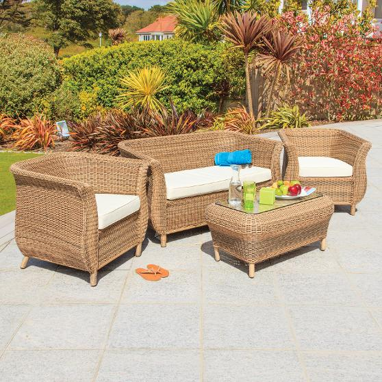 Exclusive Outdoor Bermuda Lounging Range